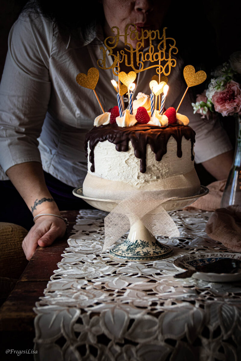 drip-cake-cioccolato fotografia