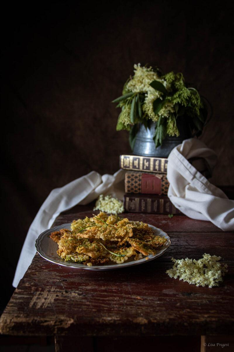 frittelle-fiori-sambuco dark photography