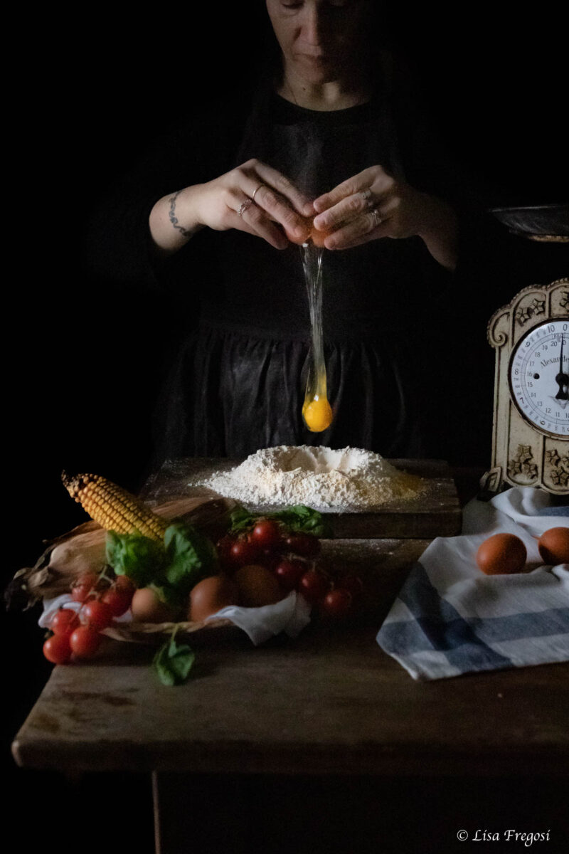 passata-fatta-casa- dark photography